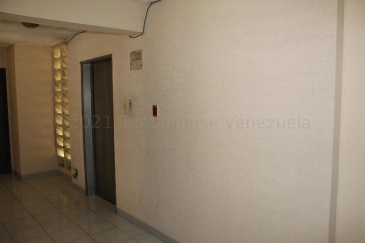 Apartamento Anzoategui>Lecheria>Complejo Turistico EL Morro - Venta:49.000 Precio Referencial - codigo: 21-12176