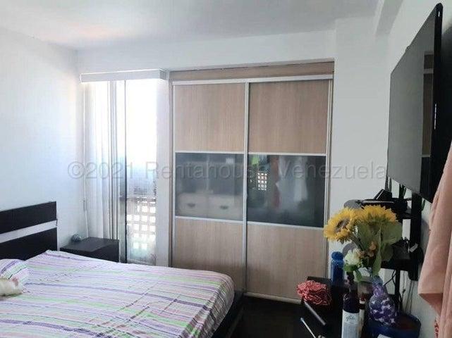 Apartamento Vargas>Catia La Mar>Playa Grande - Venta:30.000 Precio Referencial - codigo: 21-12173