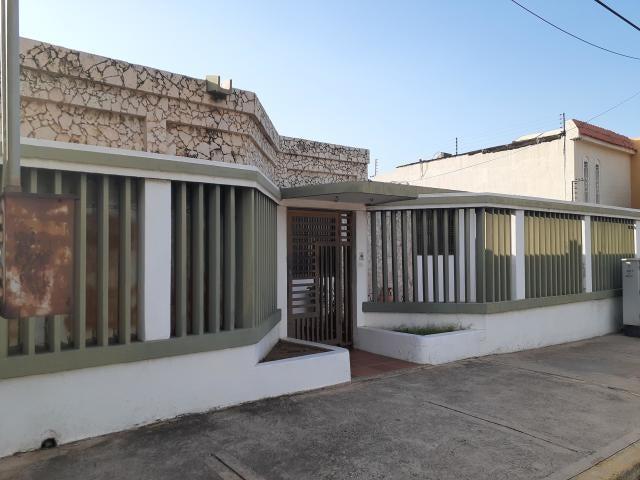 Casa Zulia>Maracaibo>Las Lomas - Venta:27.000 Precio Referencial - codigo: 21-12184