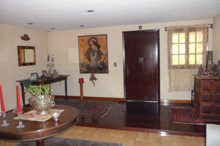Casa Distrito Metropolitano>Caracas>Los Chorros - Venta:550.000 Precio Referencial - codigo: 21-12187