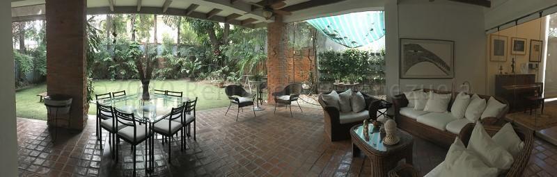 Casa Distrito Metropolitano>Caracas>La Floresta - Venta:950.000 Precio Referencial - codigo: 21-12192