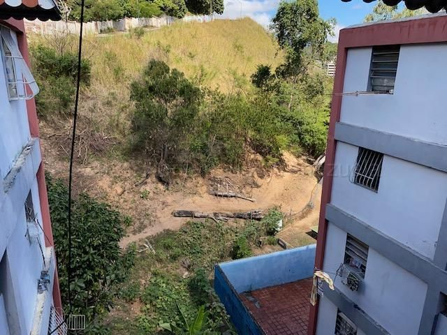Apartamento Distrito Metropolitano>Caracas>El Valle - Venta:21.100 Precio Referencial - codigo: 21-12198