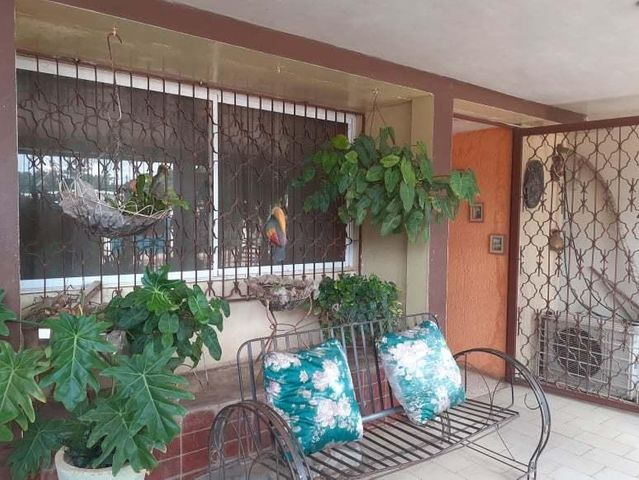 Casa Zulia>Maracaibo>Los Mangos - Venta:9.500 Precio Referencial - codigo: 21-12201
