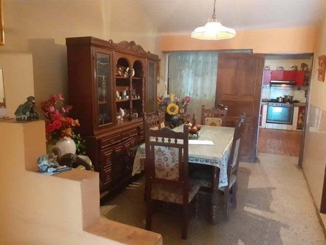 Casa Zulia>Maracaibo>Los Mangos - Venta:7.900 Precio Referencial - codigo: 21-12201