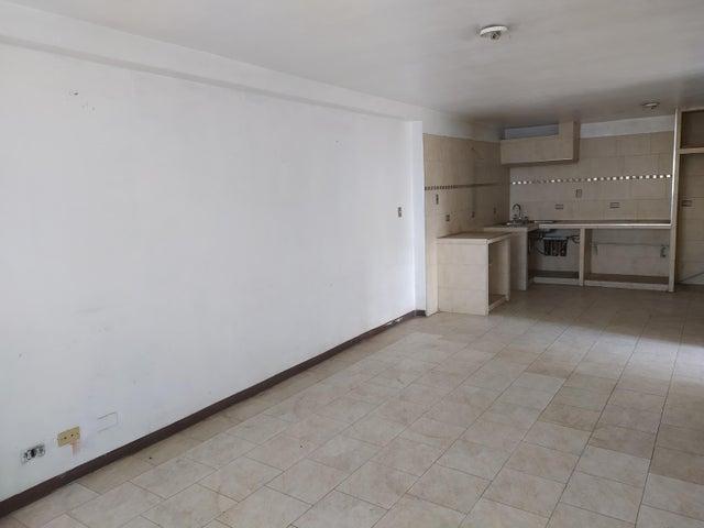 Casa Distrito Metropolitano>Caracas>El Marques - Venta:200.000 Precio Referencial - codigo: 21-12205