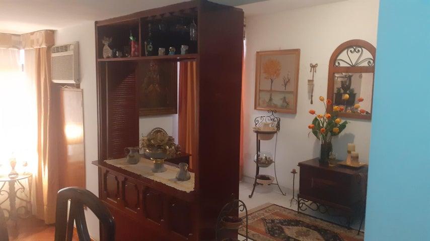 Apartamento Zulia>Maracaibo>Veritas - Venta:15.000 Precio Referencial - codigo: 21-12204
