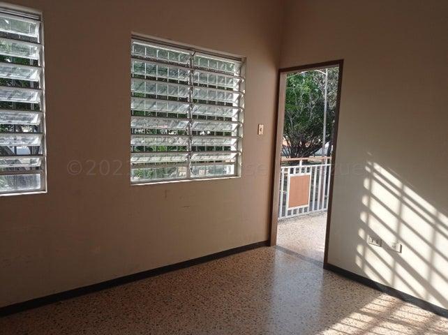 Casa Carabobo>Valencia>Trigal Norte - Alquiler:300 Precio Referencial - codigo: 21-12226