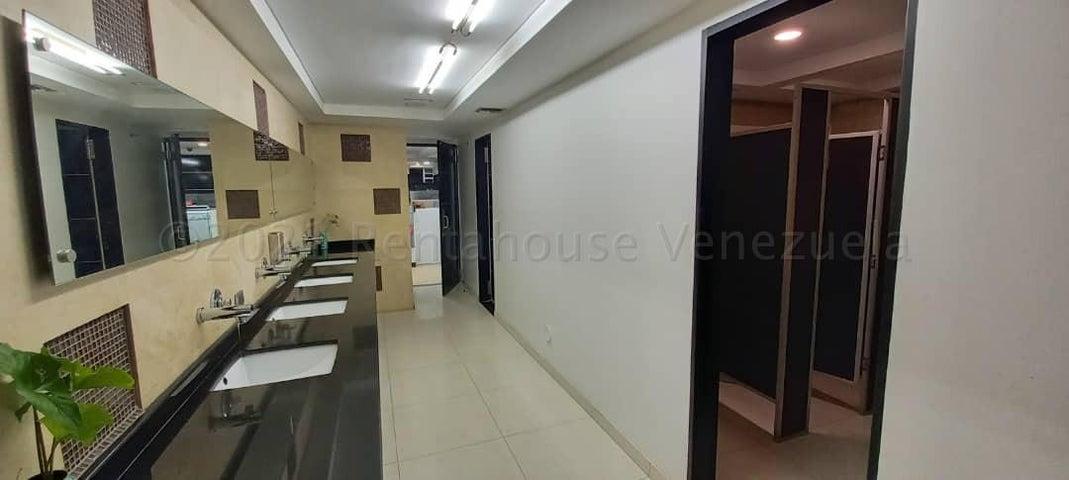 Local Comercial Distrito Metropolitano>Caracas>Los Cortijos de Lourdes - Alquiler:460 Precio Referencial - codigo: 21-12265