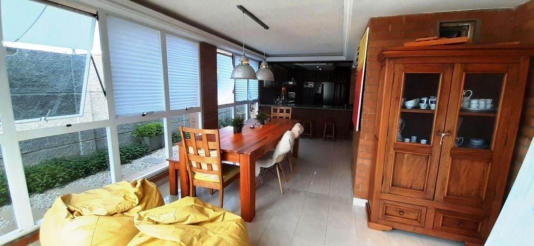 Townhouse Zulia>Ciudad Ojeda>Cristobal Colon - Venta:195.000 Precio Referencial - codigo: 21-12277
