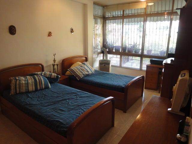 Apartamento Distrito Metropolitano>Caracas>Bello Monte - Venta:55.000 Precio Referencial - codigo: 21-12289