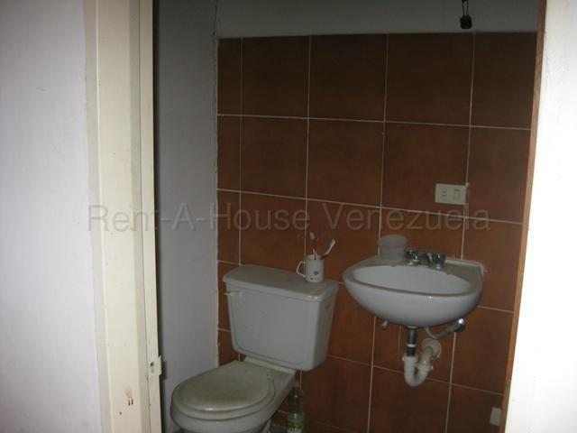 Apartamento Miranda>Guarenas>Nueva Casarapa - Venta:28.000 Precio Referencial - codigo: 21-12295