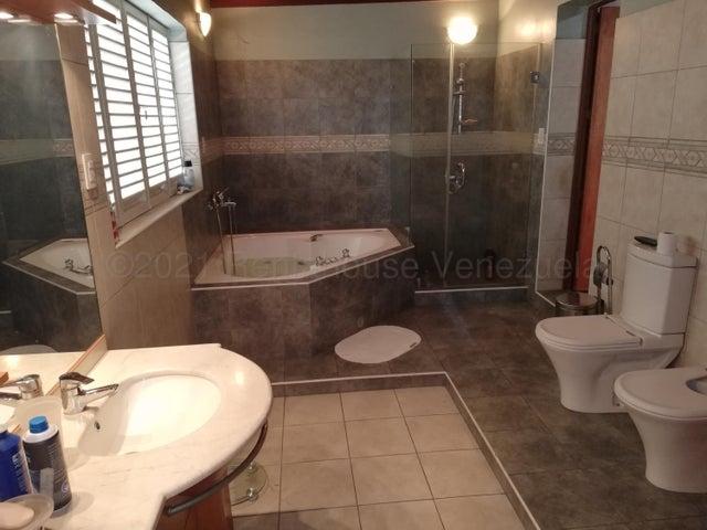 Casa Distrito Metropolitano>Caracas>Campo Alegre - Venta:1.150.000 Precio Referencial - codigo: 21-12306