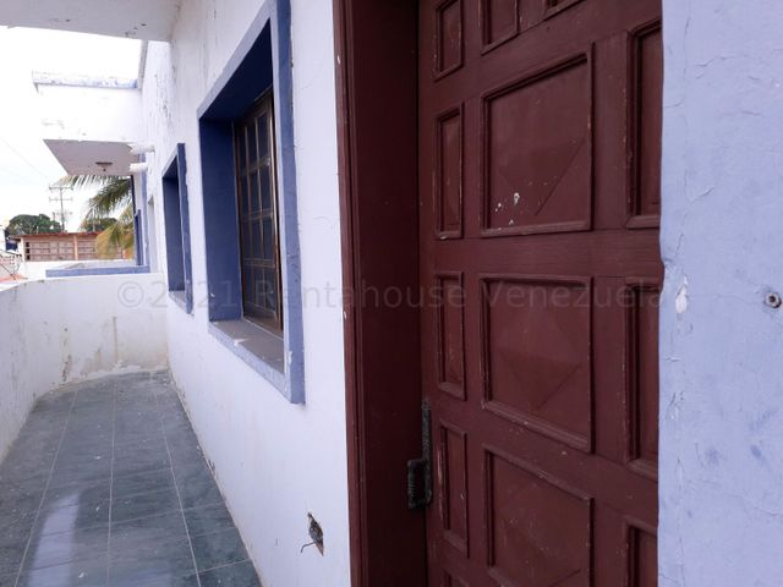 Casa Falcon>Coro>Centro - Venta:160.000 Precio Referencial - codigo: 21-12305