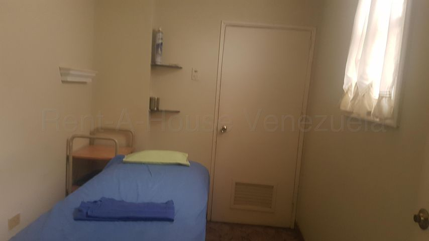 Consultorio Medico  Zulia>Maracaibo>Dr Portillo - Alquiler:700 Precio Referencial - codigo: 21-12309