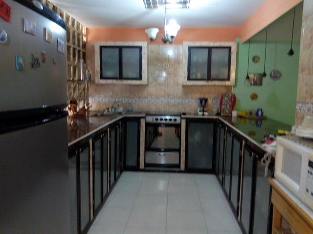 Casa Aragua>Maracay>La Maracaya - Venta:31.500 Precio Referencial - codigo: 21-12321