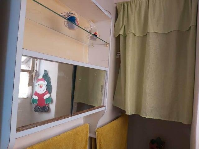 Apartamento Distrito Metropolitano>Caracas>Las Acacias - Venta:38.000 Precio Referencial - codigo: 21-12340