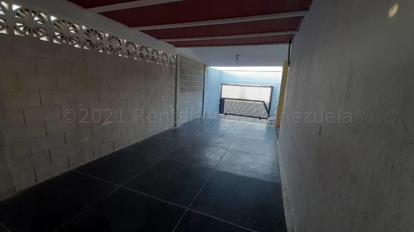 Casa Zulia>Maracaibo>La Victoria - Venta:14.000 Precio Referencial - codigo: 21-11780