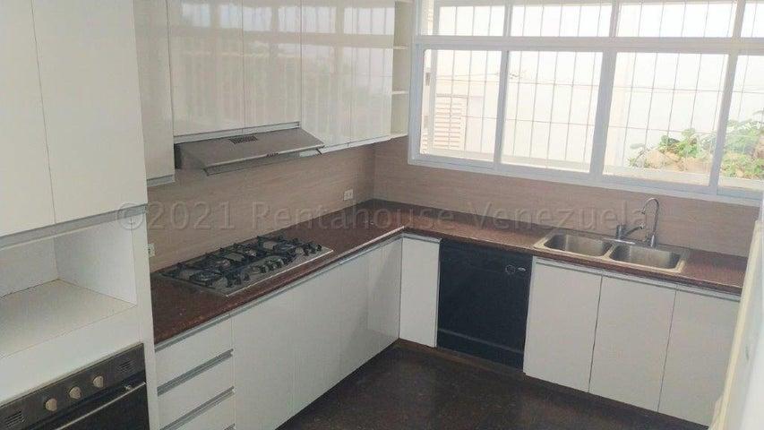 Casa Distrito Metropolitano>Caracas>Prados del Este - Venta:480.000 Precio Referencial - codigo: 21-12748