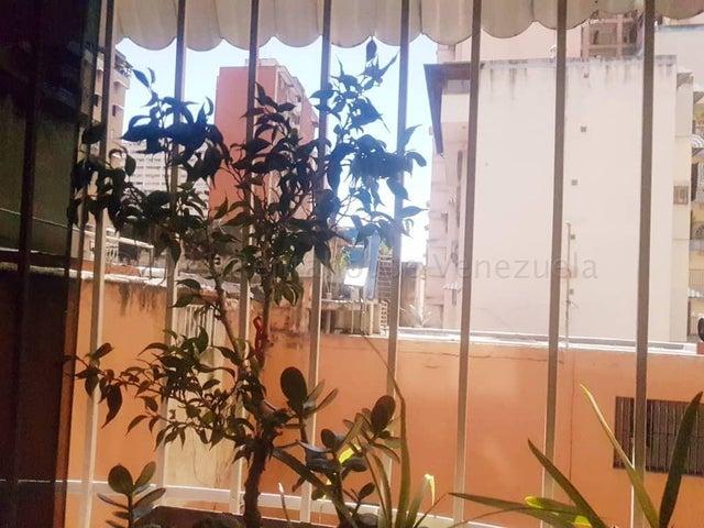 Apartamento Distrito Metropolitano>Caracas>Parroquia La Candelaria - Venta:27.000 Precio Referencial - codigo: 21-12815
