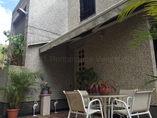 Townhouse Distrito Metropolitano>Caracas>Alto Prado - Venta:260.000 Precio Referencial - codigo: 21-12585