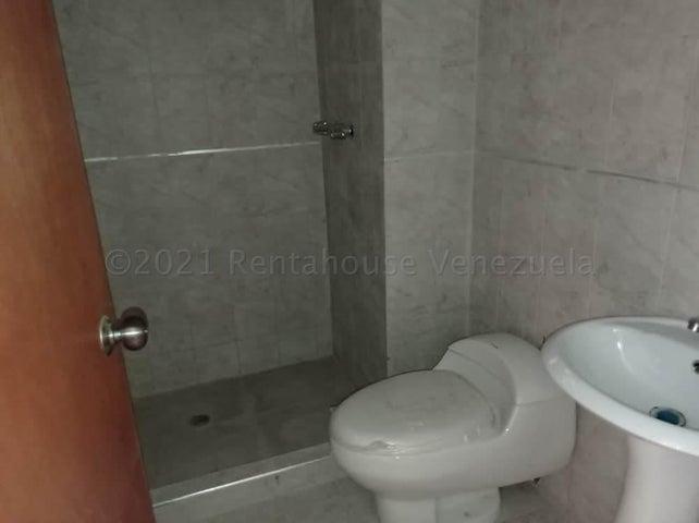 Apartamento Carabobo>Valencia>Valles de Camoruco - Venta:23.000 Precio Referencial - codigo: 21-12637