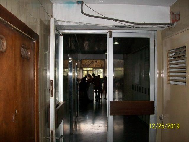 Oficina Distrito Metropolitano>Caracas>La Hoyada - Alquiler:200 Precio Referencial - codigo: 21-12668
