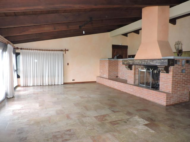 Casa Distrito Metropolitano>Caracas>La Lagunita Country Club - Venta:420.000 Precio Referencial - codigo: 21-12681