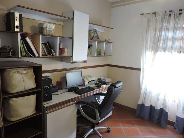 Casa Distrito Metropolitano>Caracas>La Florida - Venta:350.000 Precio Referencial - codigo: 21-12693
