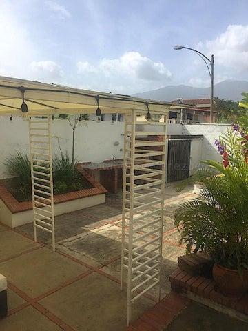 Casa Distrito Metropolitano>Caracas>Terrazas del Club Hipico - Venta:400.000 Precio Referencial - codigo: 21-12898