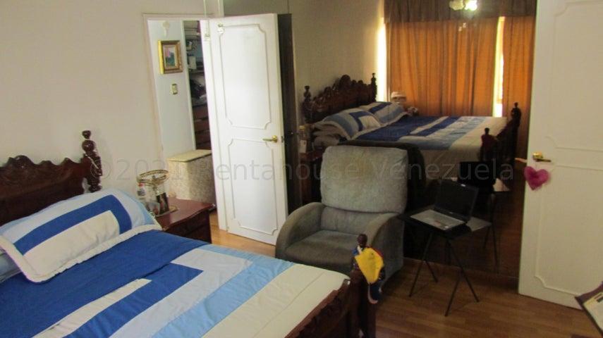 Apartamento Distrito Metropolitano>Caracas>La Boyera - Venta:120.000 Precio Referencial - codigo: 21-12899