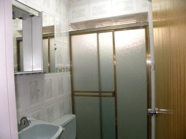 Apartamento Miranda>Los Teques>Los Teques - Venta:18.000 Precio Referencial - codigo: 21-13044