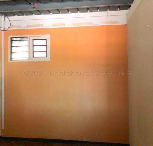 Local Comercial Portuguesa>Araure>Centro - Venta:68.000 Precio Referencial - codigo: 21-13037
