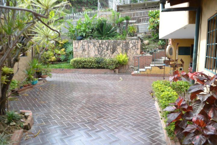 Casa Distrito Metropolitano>Caracas>El Peñon - Venta:199.000 Precio Referencial - codigo: 21-13077
