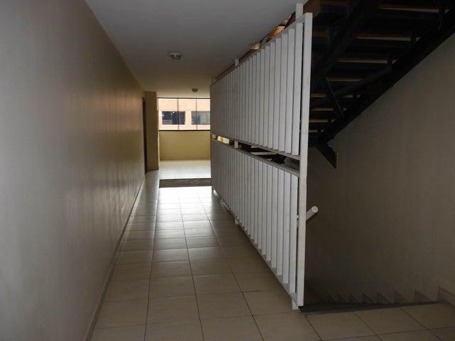 Apartamento Aragua>Maracay>San Jacinto - Venta:19.000 Precio Referencial - codigo: 21-13052