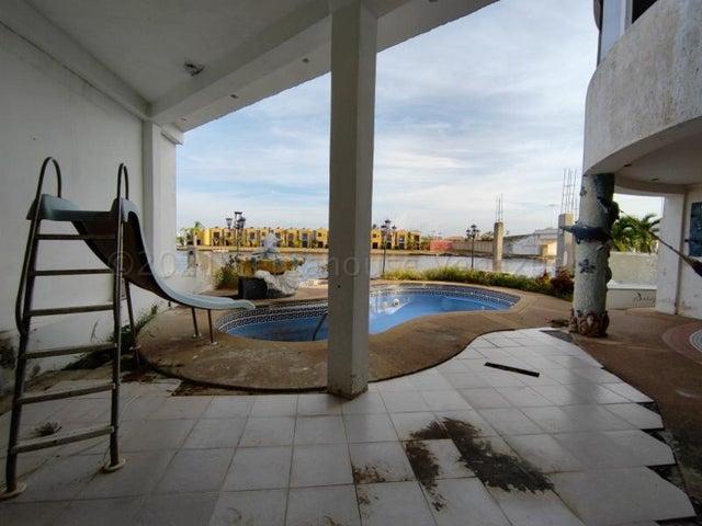 Casa Miranda>Higuerote>Puerto Encantado - Venta:199.000 Precio Referencial - codigo: 21-13278