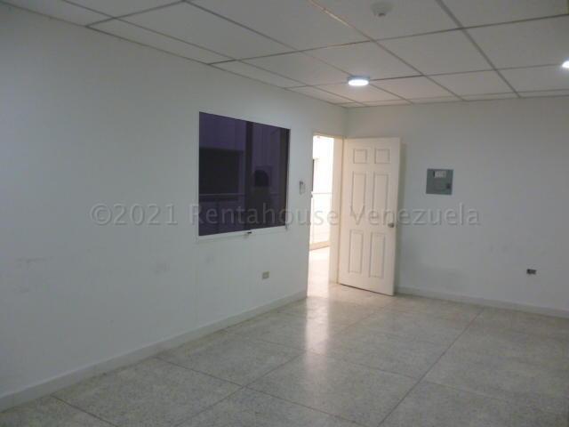Oficina Lara>Barquisimeto>Centro - Alquiler:120 Precio Referencial - codigo: 21-13285