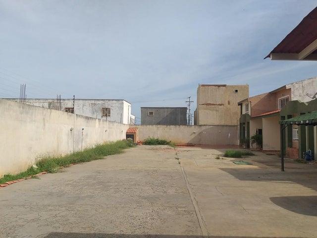 Casa Zulia>Cabimas>Cumana - Venta:10.000 Precio Referencial - codigo: 21-13462