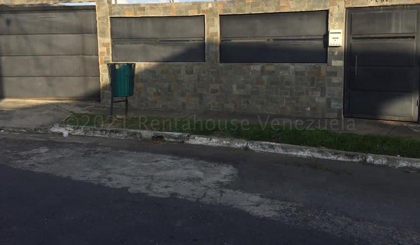 Casa Yaracuy>San Felipe>San Antonio - Venta:36.000 Precio Referencial - codigo: 21-13766
