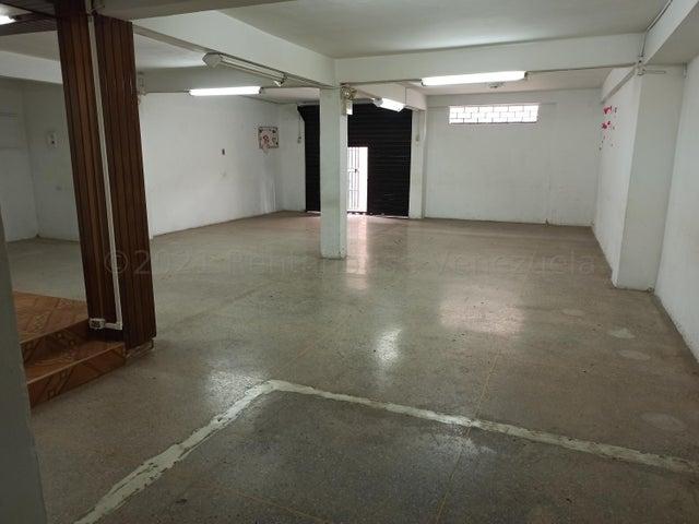 Local Comercial Distrito Metropolitano>Caracas>El Valle - Venta:30.000 Precio Referencial - codigo: 21-14101