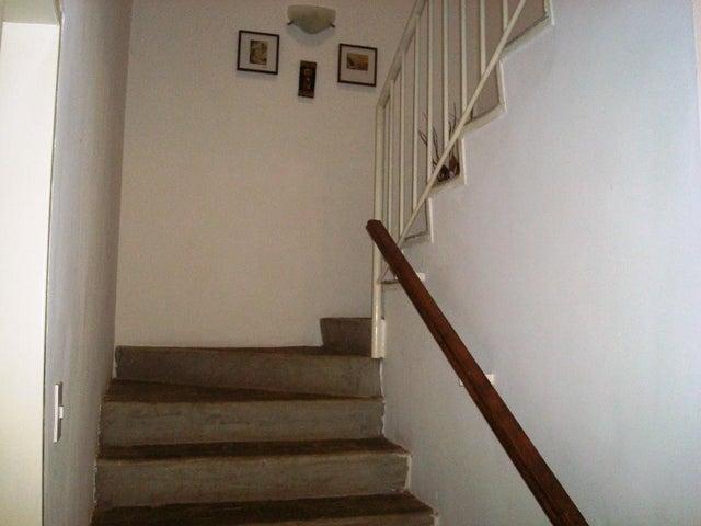 Casa Distrito Metropolitano>Caracas>Santa Ines - Venta:130.000 Precio Referencial - codigo: 21-13887