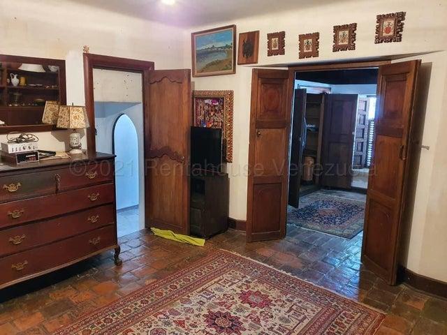 Casa Distrito Metropolitano>Caracas>Altamira - Venta:560.000 Precio Referencial - codigo: 21-13956