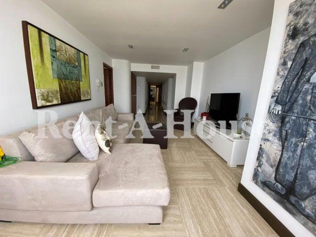 Apartamento Zulia>Maracaibo>El Milagro - Venta:230.000 Precio Referencial - codigo: 21-13985