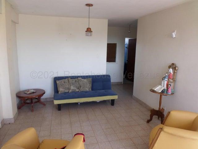 Apartamento Lara>Cabudare>Centro - Venta:16.000 Precio Referencial - codigo: 21-14046