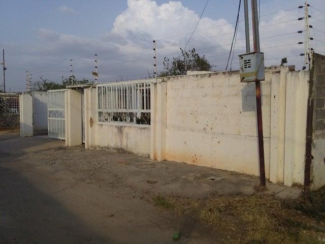 Casa Zulia>Ciudad Ojeda>Los Samanes - Venta:3.000 Precio Referencial - codigo: 21-14033