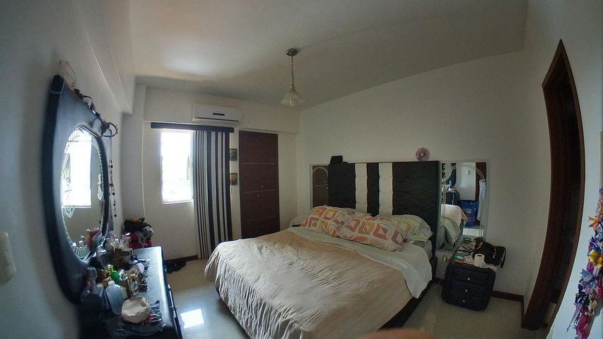 Apartamento Carabobo>Valencia>El Parral - Venta:55.000 Precio Referencial - codigo: 21-14045