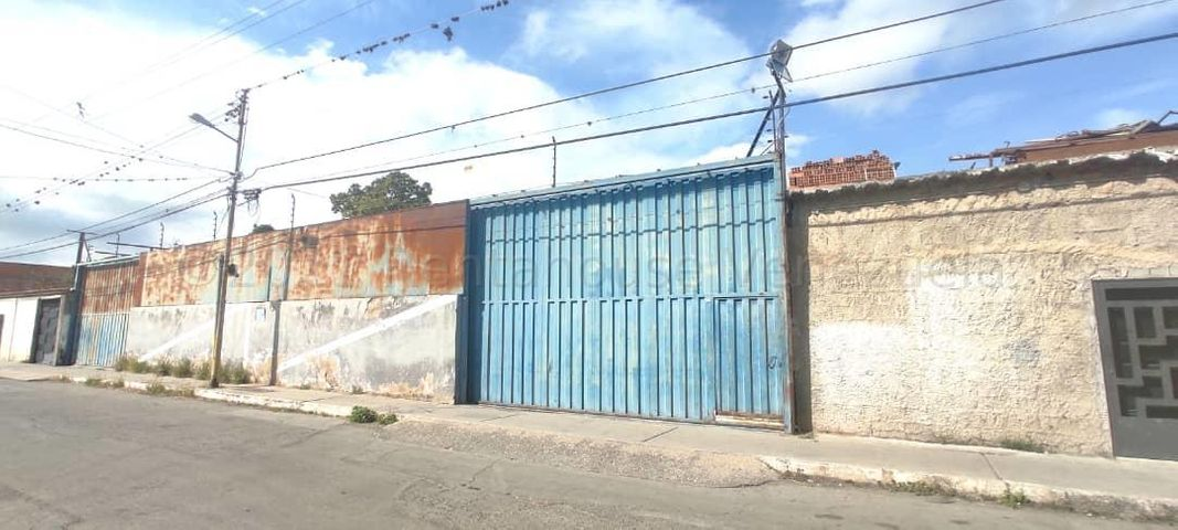 Local Comercial Lara>Barquisimeto>Parroquia Concepcion - Alquiler:150 Precio Referencial - codigo: 21-14043