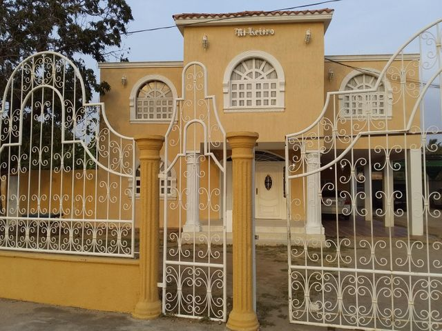 Casa Zulia>Ciudad Ojeda>Intercomunal - Venta:33.000 Precio Referencial - codigo: 21-14048