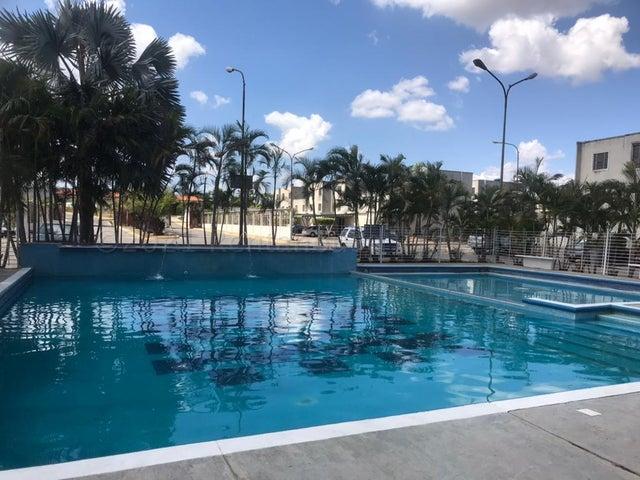 Casa Lara>Cabudare>Tarabana Plaza - Venta:40.000 Precio Referencial - codigo: 21-14069
