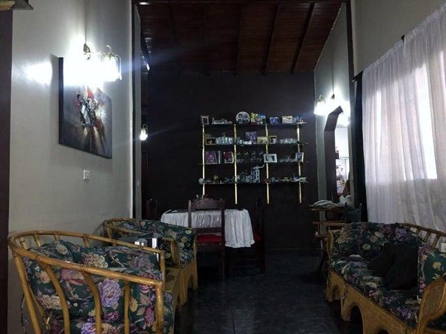 Casa Aragua>Maracay>Villas de Aragua - Venta:33.500 Precio Referencial - codigo: 21-14083