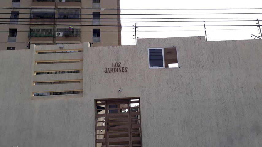 Apartamento Zulia>Maracaibo>Las Delicias - Venta:15.750 Precio Referencial - codigo: 21-14238